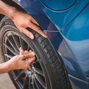 How to tighten a tire valve stem